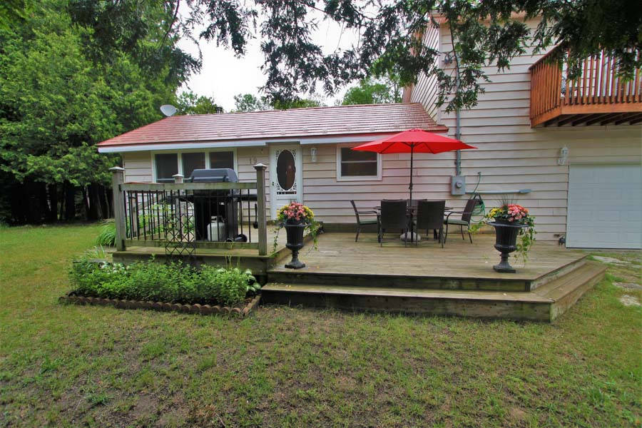 Awe Inspiring Lake Huron Cottage Rental Near Oliphant Sauble Beach And Interior Design Ideas Gentotryabchikinfo