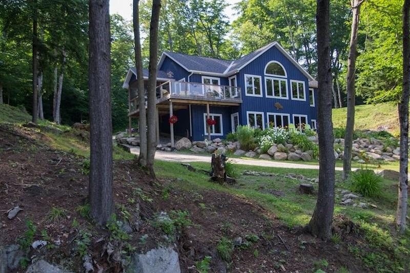 Tremendous Ril Lake Cottage Rental With Amazing View Interior Design Ideas Skatsoteloinfo