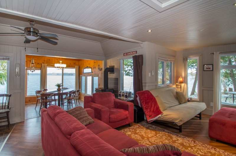 waterfront cottage rental on dalrymple lake great fishing cottage rental near parry sound cottages for rent parry sound ontario