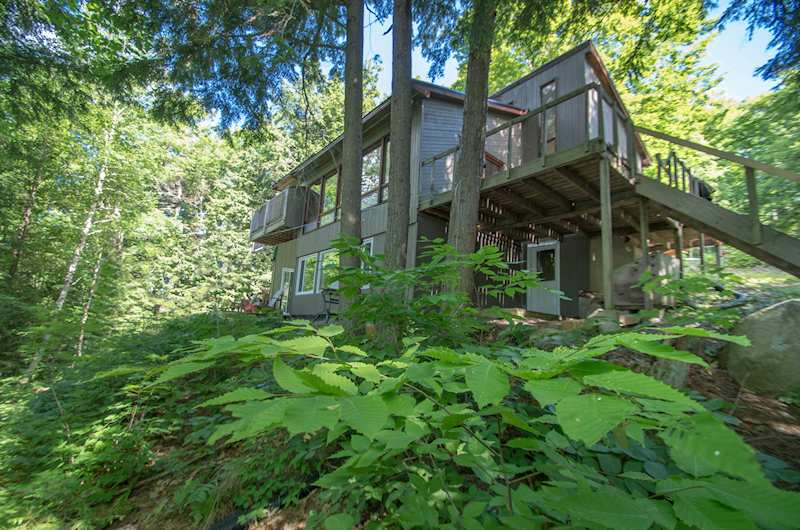 private lakefront cottage on otter lake near parry sound rh clrm ca