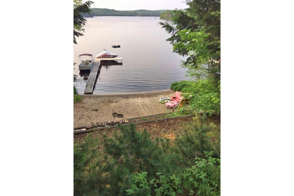 Ril Lake Cottage Rental With Sandy Beach
