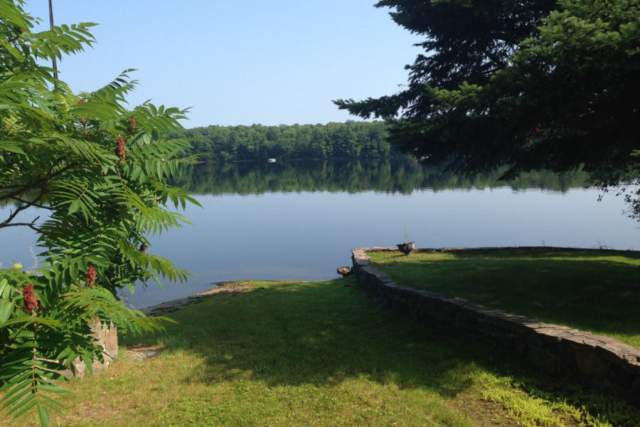 Private lakefront cottage on Oastler Lake, near Parry Sound